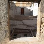 """Porta d'entrada a la casa d'Enrique Falcó i María """"la Senyoreta"""", des del carrer Col·lecta"""